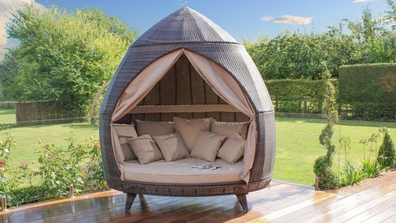 dreveny záhradný nábytok